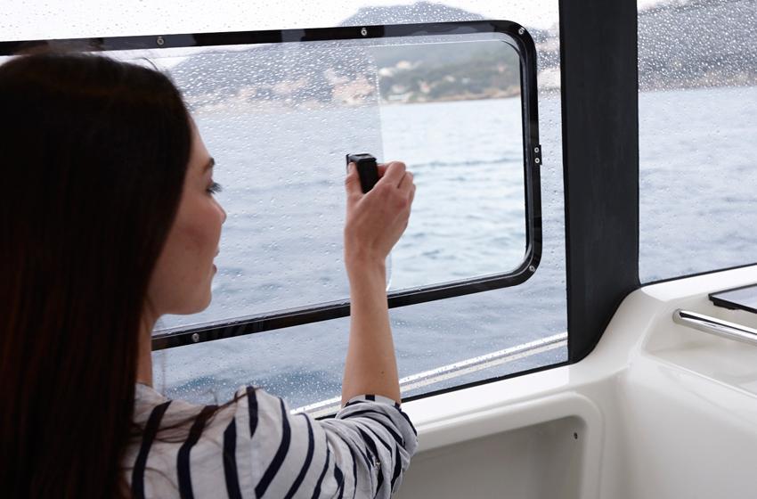 Quicksilver captur 905 pilothouse vendita barche globalcar - Finestre per barche ...