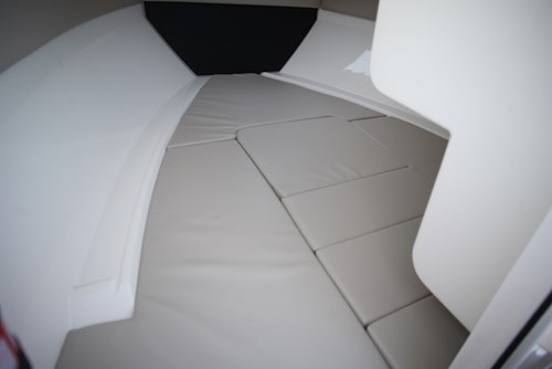2 berths with cabin cushions