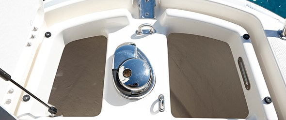 Anchor storage/windlass